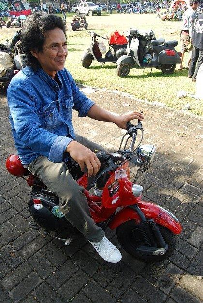http://images.detik.com/content/2012/05/09/1210/vespain.jpg
