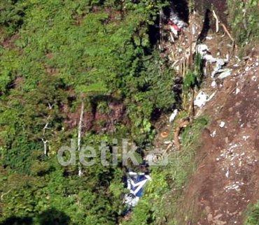 Ini Kisah Kehebatan Tim Evakuasi Sukhoi Di Gunung Salak [ www.BlogApaAja.com ]