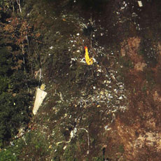 Puing-puing Pesawat Sukhoi Super Jet 100 di Gunung Salak
