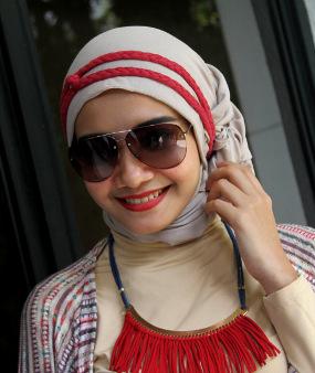 Zaskia Sungkar Berjilbab, Penggemarnya Mengikuti [ www.BlogApaAja.com ]