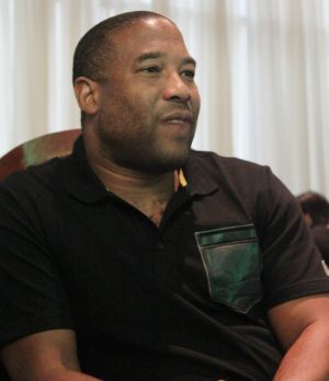 John Barnes: Pemain Indonesia Harus Unggul Semangat dan Disiplin