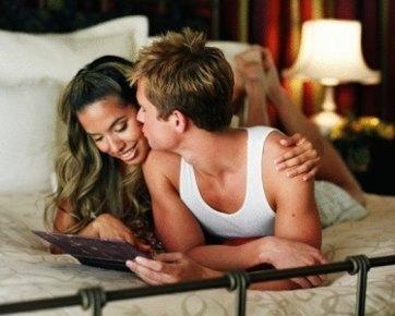 5 Aksi Inisiatif yang Bisa Buat Suami Ingin Bercinta