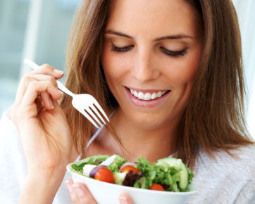 Terbiasa Makan dengan Porsi Besar? Ini Cara Menguranginya