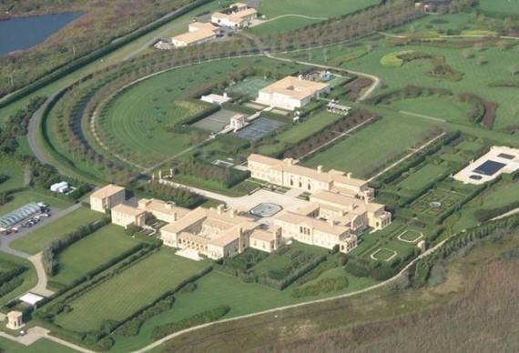 http://images.detik.com/content/2012/05/31/1016/091938_ldpondmansion570x388.jpeg