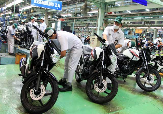 Honda Gelontorkan Mega Pro Face Lift Warna Putih . Bonsai Biker