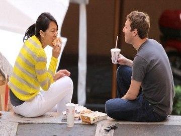 [imagetag] Bulan Madu, Mark Zuckerberg Makan Siang Romantis di McDonald's