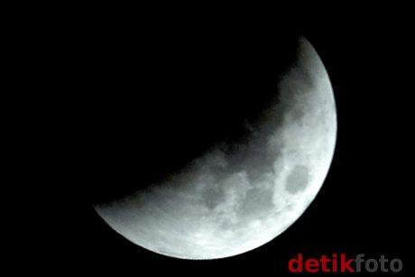 gerhana-bulan-sebagian-wilayah-indonesia-4-juni-2012