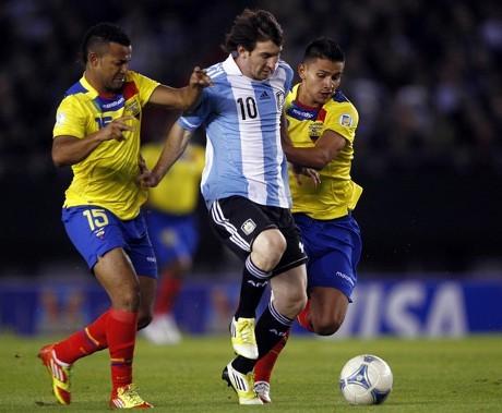 Bekuk Ekuador, Argentina Pimpin Klasemen