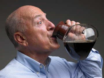 Minum 3 Cangkir Kopi Sehari Turunkan Resiko Alzheimer