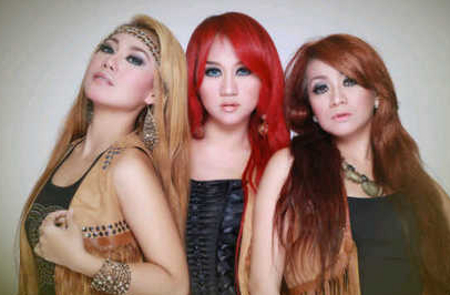 Download Lagu MP3 3 Macan - Ember Asli Gratis 3gp Video