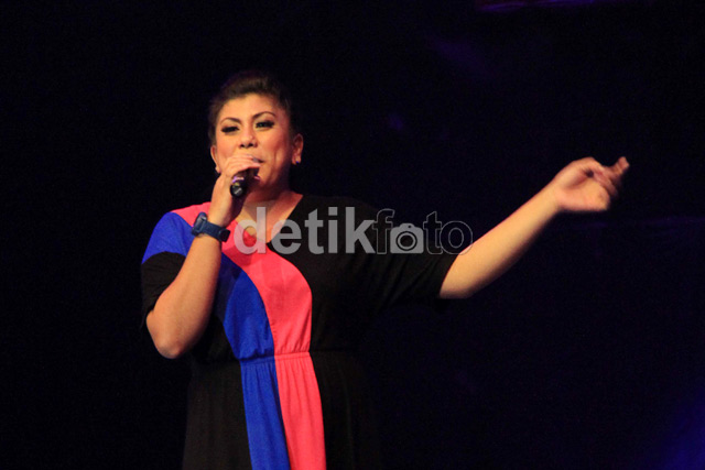 FOTO: Regina Idol, Pemenang Indonesian Idol 2012