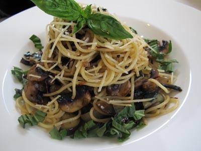 http://images.detik.com/content/2012/07/09/1037/145530_spaghettijamurterungcvr.jpg