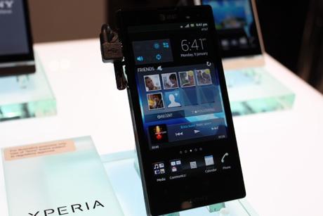 SPESIFIKASI 3 SMARTPHONE SONY XPERIA ION, NEO L & TIPO TERBARU 2012