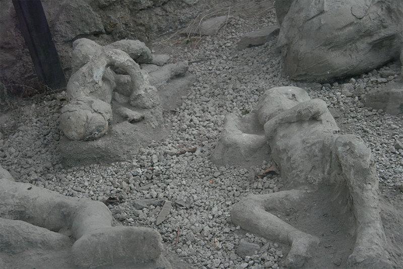 http://images.detik.com/content/2012/07/30/1383/083849_pompeii1.jpg