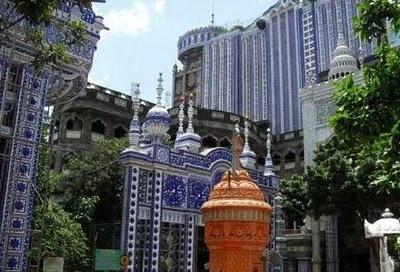 MESJID PALING FENOMENAL DI INDONESIA SELURUH DESAIN TATA RUANG LETAKNYA
