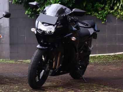 Motor Ninja Dibeli Pakai Koin Berkarung-karung di Padang