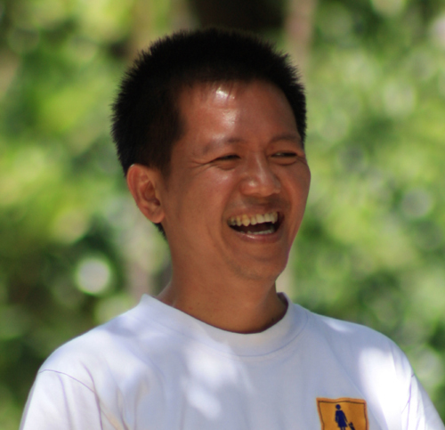 http://images.detik.com/content/2012/08/02/1204/112824_alfons500.jpg