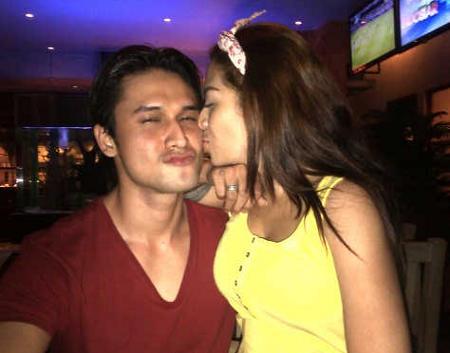 Foto Mesra Cinta Penelope & Indra Brugman Beredar!