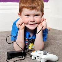 bocah pemakan kabel listrik