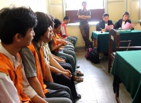 Pemain Judi Poker Facebook Indonesia Dituntut 7 Bulan Penjara