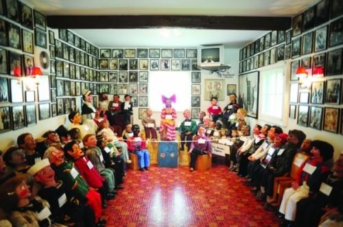 http://images.detik.com/content/2012/08/09/1383/163207_museumnewhaven.jpg
