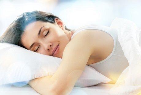 Mimpi Erotis Lebih Sering Muncul Saat Tidur Tengkurap