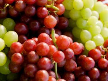 Makan Buah Anggur Bikin Jantung Pria Lebih Sehat