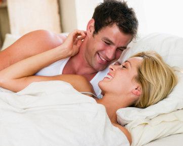 Seks Makin Bergairah - Inilah Cara Melepas Pakaian