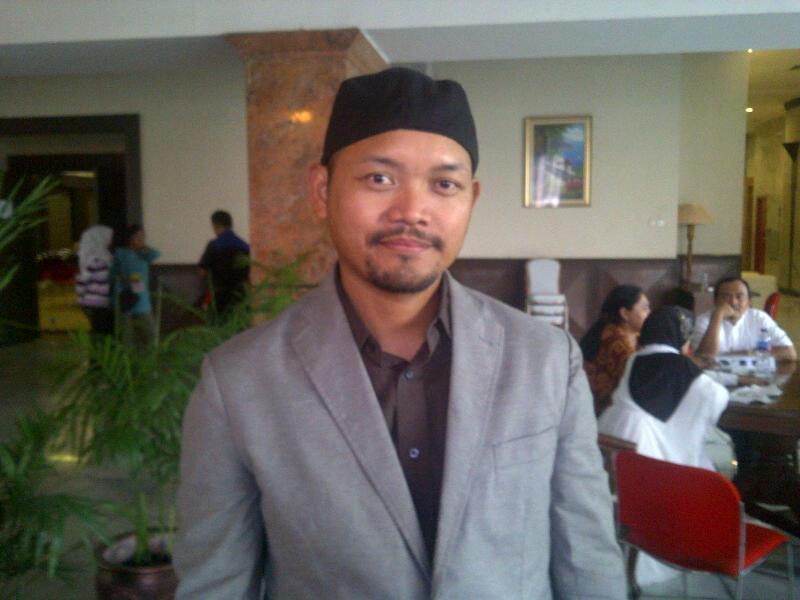 Rustono - www.jurukunci.net