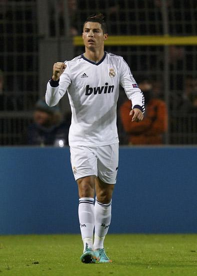 Tetapi Cristiano Ronaldo sukses menyamakan kedudukan dua menit berselang. REUTERS/Lisi Niesner.