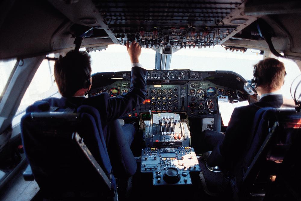 4 dari 10 Pilot Mengaku Tidur Saat Terbangkan Pesawat | Choliknf1998.blogspot.com