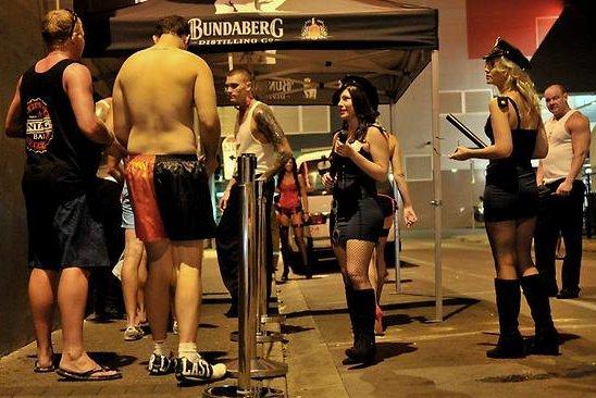 Pesta Paling Liar di Australia, Tanpa Busana!