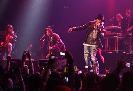 Guns N Roses Live Jakarta 2012 Video | Video Konser GNR