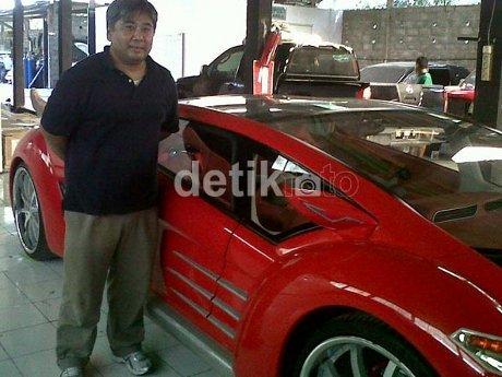 Danet Suryatama, sang pencipta mobil listrik Tucuxi..