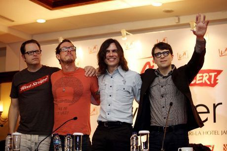 Video Konser Weezer Live In Jakarta Youtube