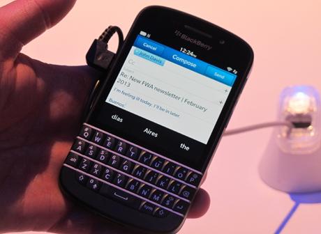 Blackberry Q10 tanpa trackpad (ash/inet)