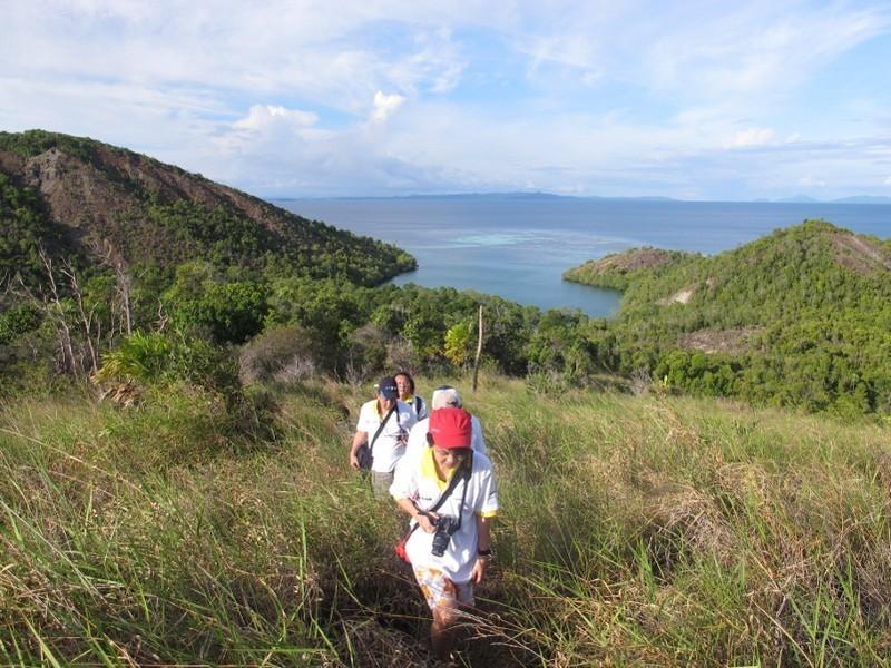 7 Tips Menjelajah Pulau Tak Berpenghuni