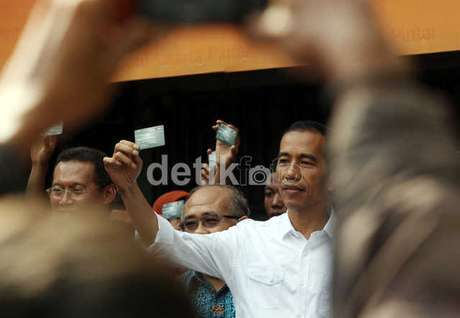 Inilah 4 Kisah Gajinya Jokowi