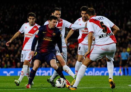 Dua Gol Messi Bawa Barca Bekuk Rayo 3-1