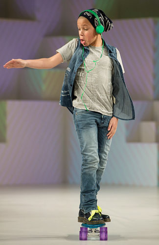 ogut267: Aksi model cilik di Global Kids Fashion week 2013, dan gaya