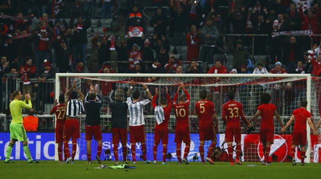 Tabungan 2 gol akan membuat Bayern lebih mudah menjalani leg kedua nanti. REUTERS/Michael Dalder.