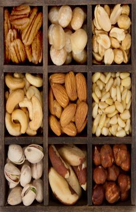 Perbanyak konsumsi kacang-kacangan yang banyak mengandung Omega-3 dapat menjaga kesehatan jantung
