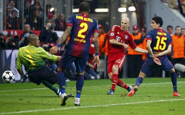 Pada menit ke-73, giliran Arjen Robben yang mencatatkan namanya di papan skor. Gol diawali dari operan-operan di depan kotak penalti Barca, bola diberikan kepada Robben di sisi kanan. Robben kemudian menggiring bola masuk ke dalam kotak penalti dan melepaskan tembakan ke tiang jauh. Reuters/Michaela Rehle.