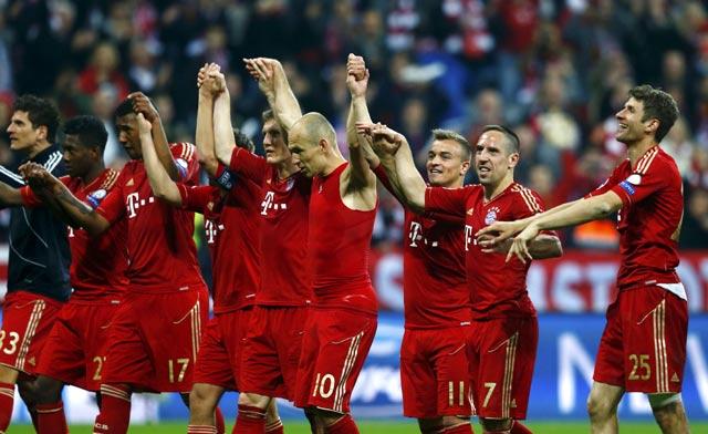 Para pemain Bayern merayakan kemenangan. Reuters/Michael Dalder