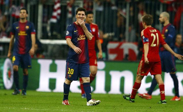 Lionel Messi tampak kecewa dengan hasil tersebut. Dalam catatan Opta, ini adalah pertama kalinya Barca kebobolan empat gol di Liga Champions sejak tahun 2005. Reuters/Michael Dalder.