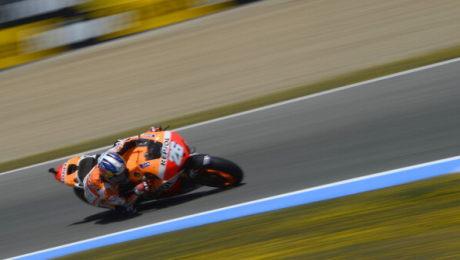Pembalap Honda Repsol, Dani Pedrosa menjadi juara MotoGP 2013 di Sirkuit jerez, Spanyol