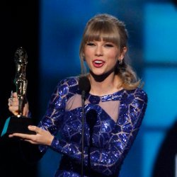 Taylor Swift Berjaya di Billboard Music Awards 2013