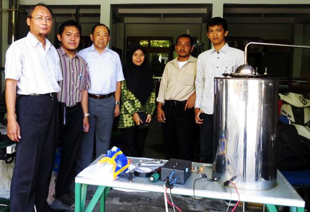 UGM Ubah Sampah Plastik Jadi Solar