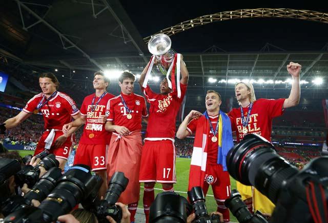 Bayern Angkat Trofi Liga Champions