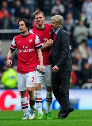 Arsenal Akan Membuat Tiga Mega Transfer